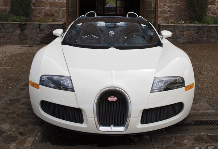 bugatti veyron price dollars the bugatti veyron with a 1 million dollar price tag and 1001. Black Bedroom Furniture Sets. Home Design Ideas