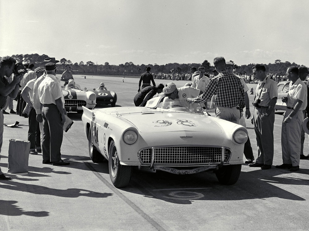 Historical thunderbird 39 s racing for Airport motor mile used cars