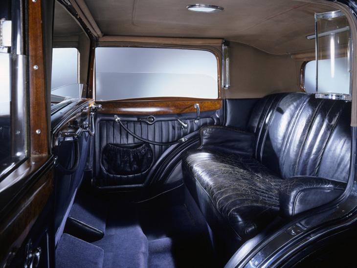 maybach zeppelin ds8 from the 1930s. Black Bedroom Furniture Sets. Home Design Ideas
