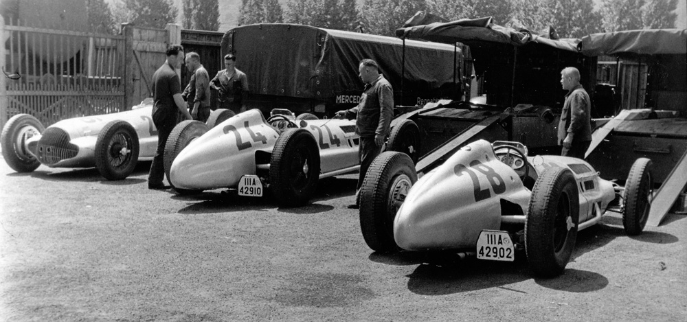 To Grand Prix Racing With Mercedes Benz And The Silver