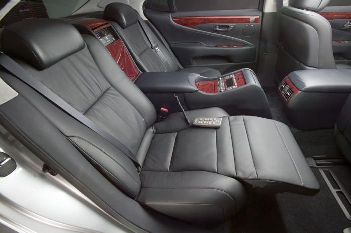 http://myautoworld.com/toyota/cars/lexus/2000/lexus-ls460-07/71_2007ls460.jpg