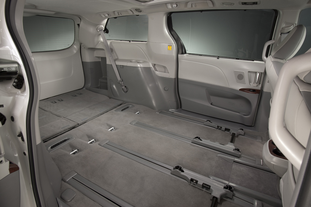 2013 toyota sienna. Black Bedroom Furniture Sets. Home Design Ideas