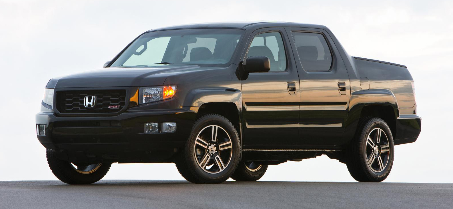2014 honda ridgeline adds new top of the line special edition model. Black Bedroom Furniture Sets. Home Design Ideas