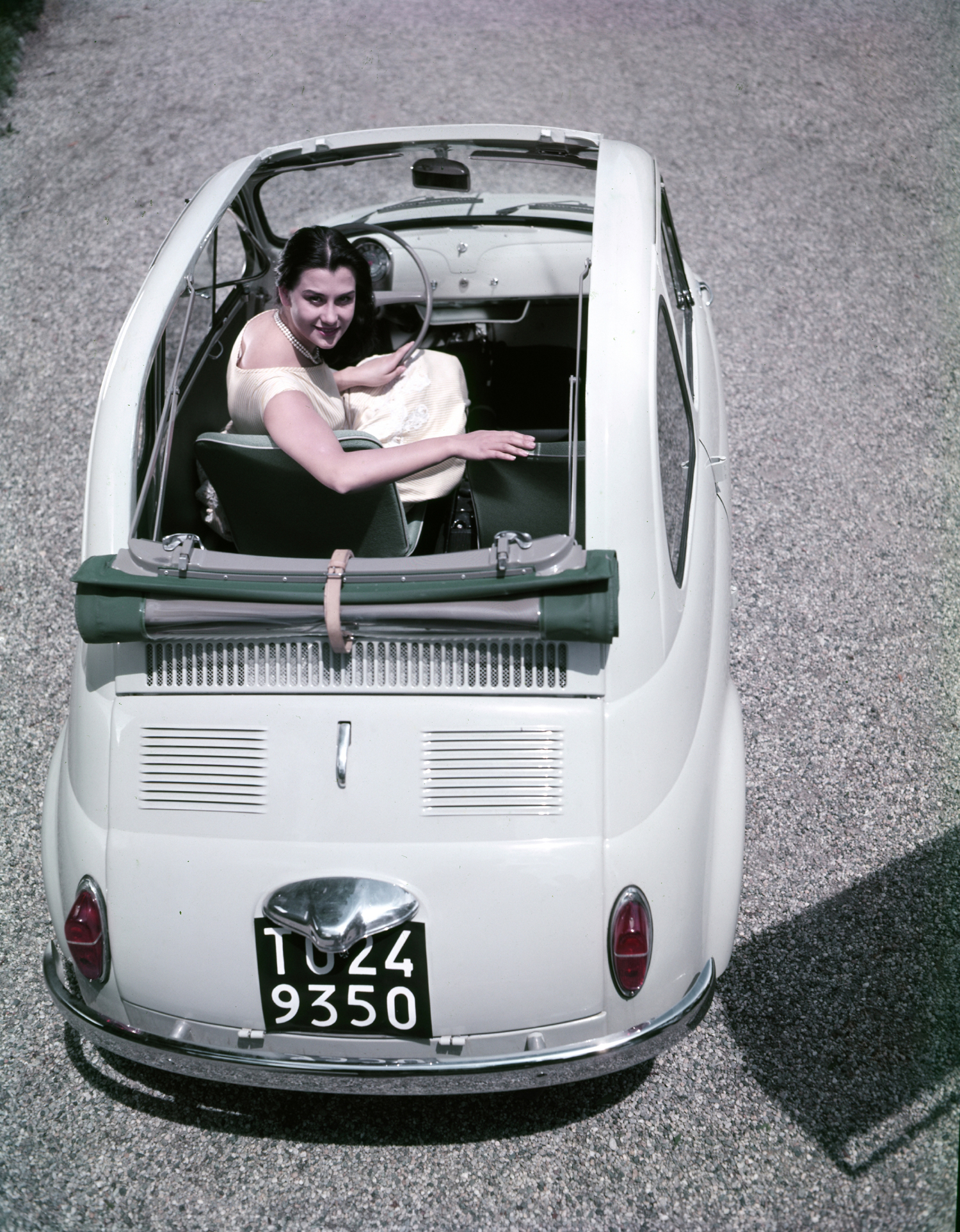 new 2014 fiat 500 1957 edition highlights 57 years of the legendary icon. Black Bedroom Furniture Sets. Home Design Ideas