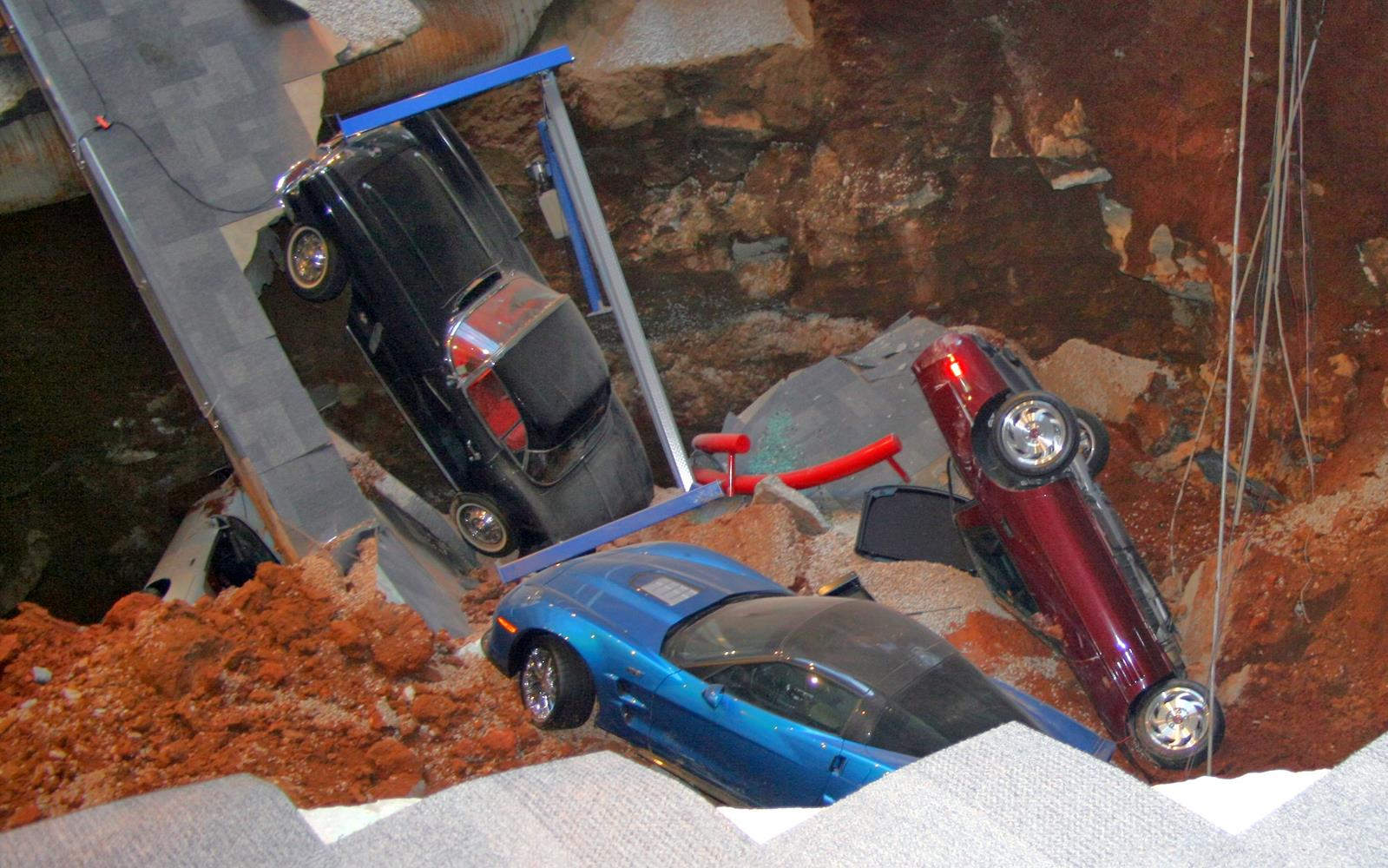 National Corvette Museum >> Sinkhole Collapses at National Corvette Museum, eight Corvettes were affected - myAutoWorld.com