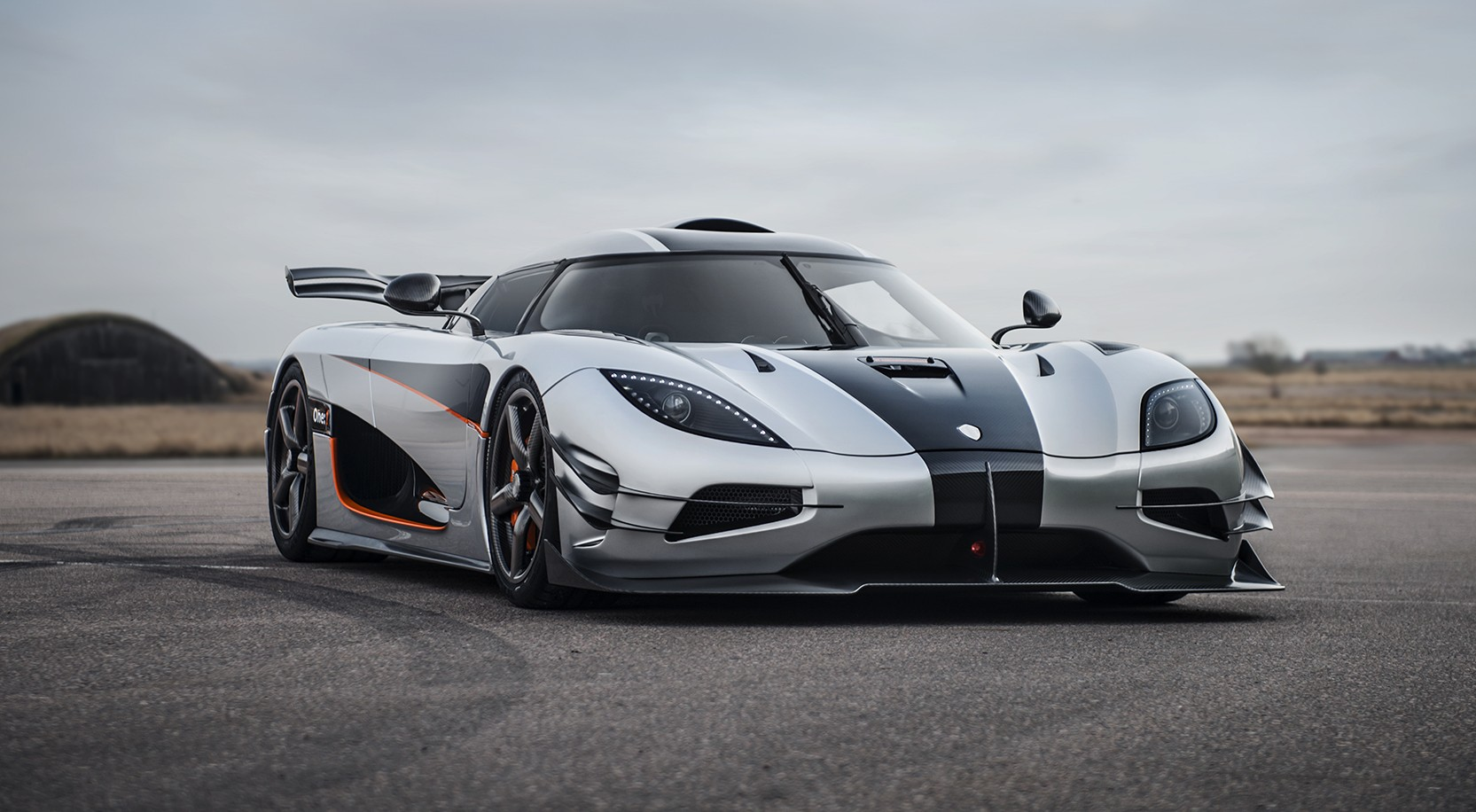 KOENIGSEGG AGERA ONE:1 DEBUT
