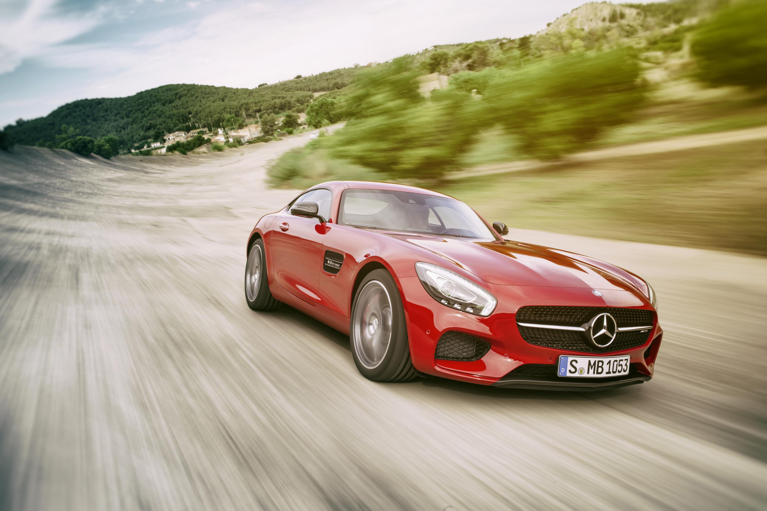 THE NEW MERCEDESAMG GT DRIVING PERFORMANCE FOR SPORTS CAR - Sport car driving