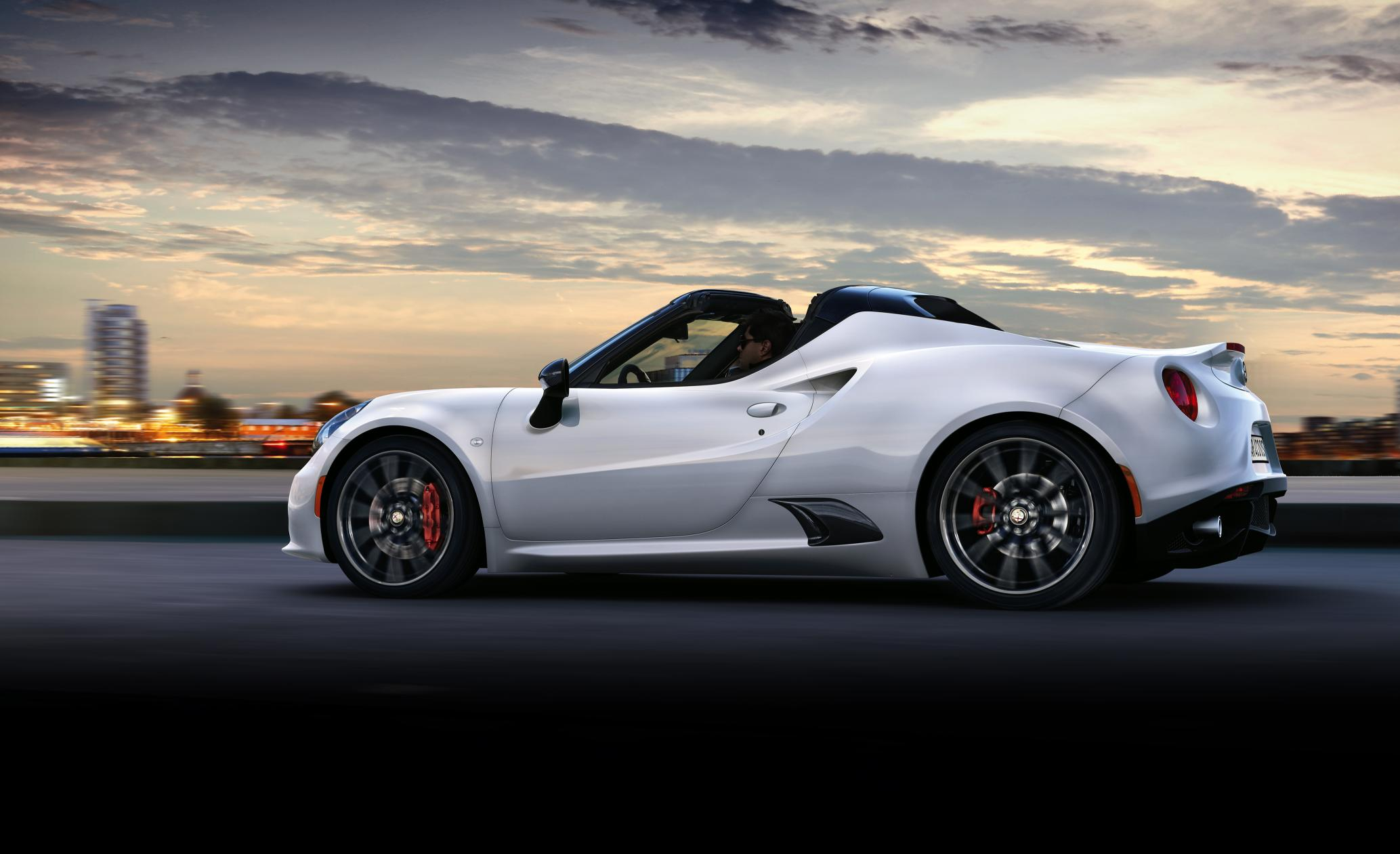 ALFA ROMEO 4C SPIDER TO MAKE ITS EUROPEAN DEBUT AT THE 2015 GENEVA MOTOR SHOW