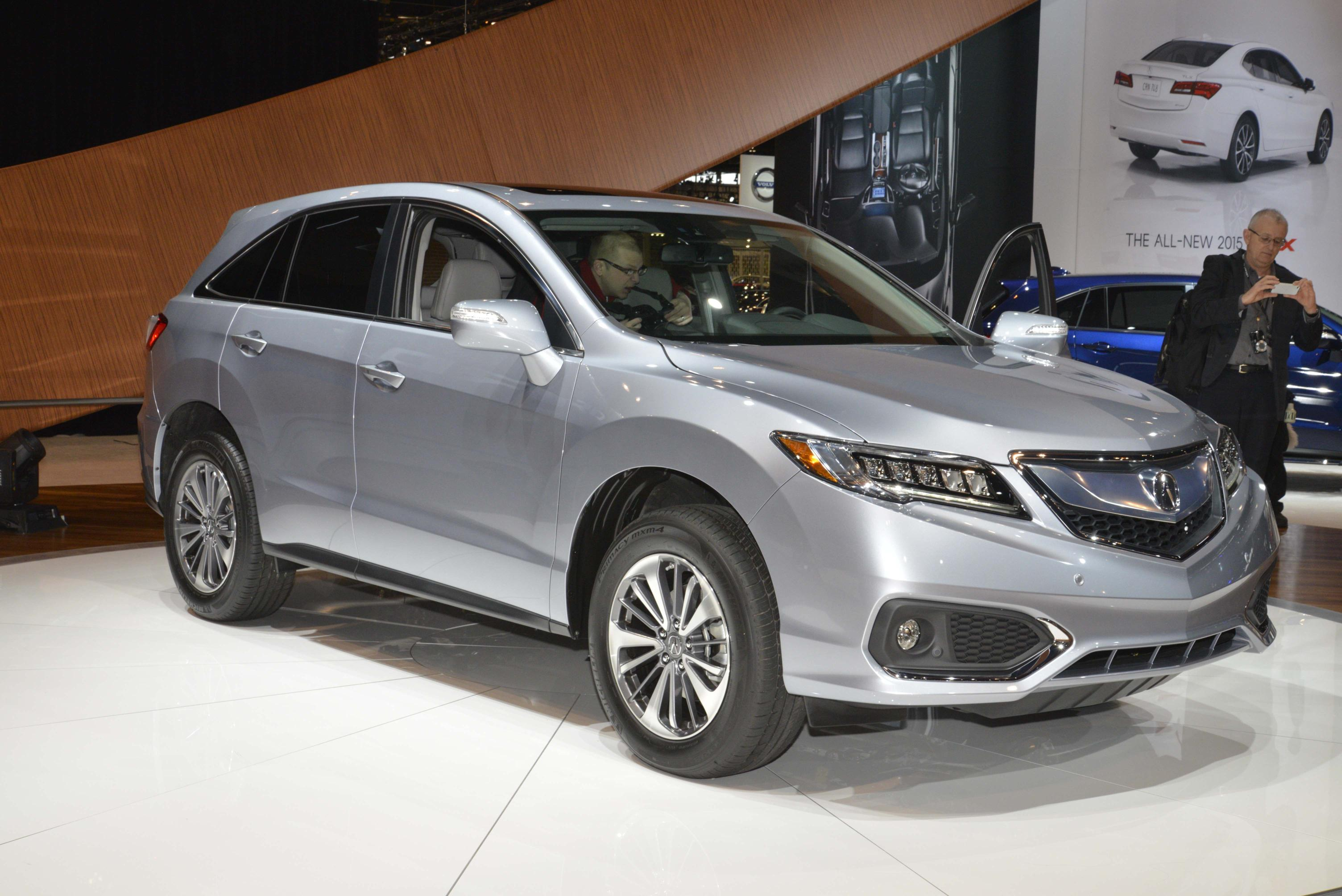 2016 ACURA RDX BRINGS THE HEAT IN WORLD DEBUT AT 2015 CHICAGO AUTO SHOW