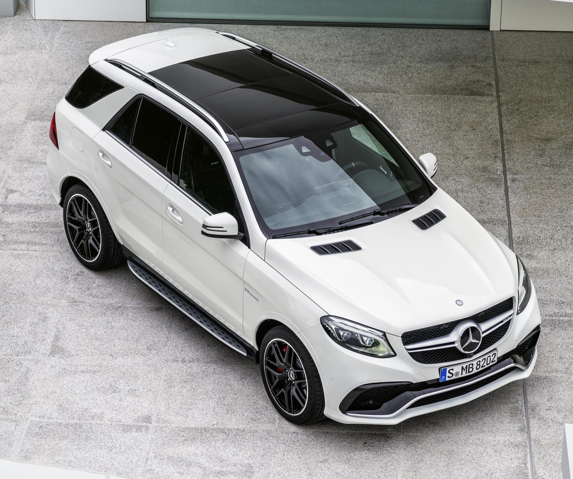 WORLD PREMIERE FOR THE MERCEDES-BENZ GLE AND MERCEDES-AMG