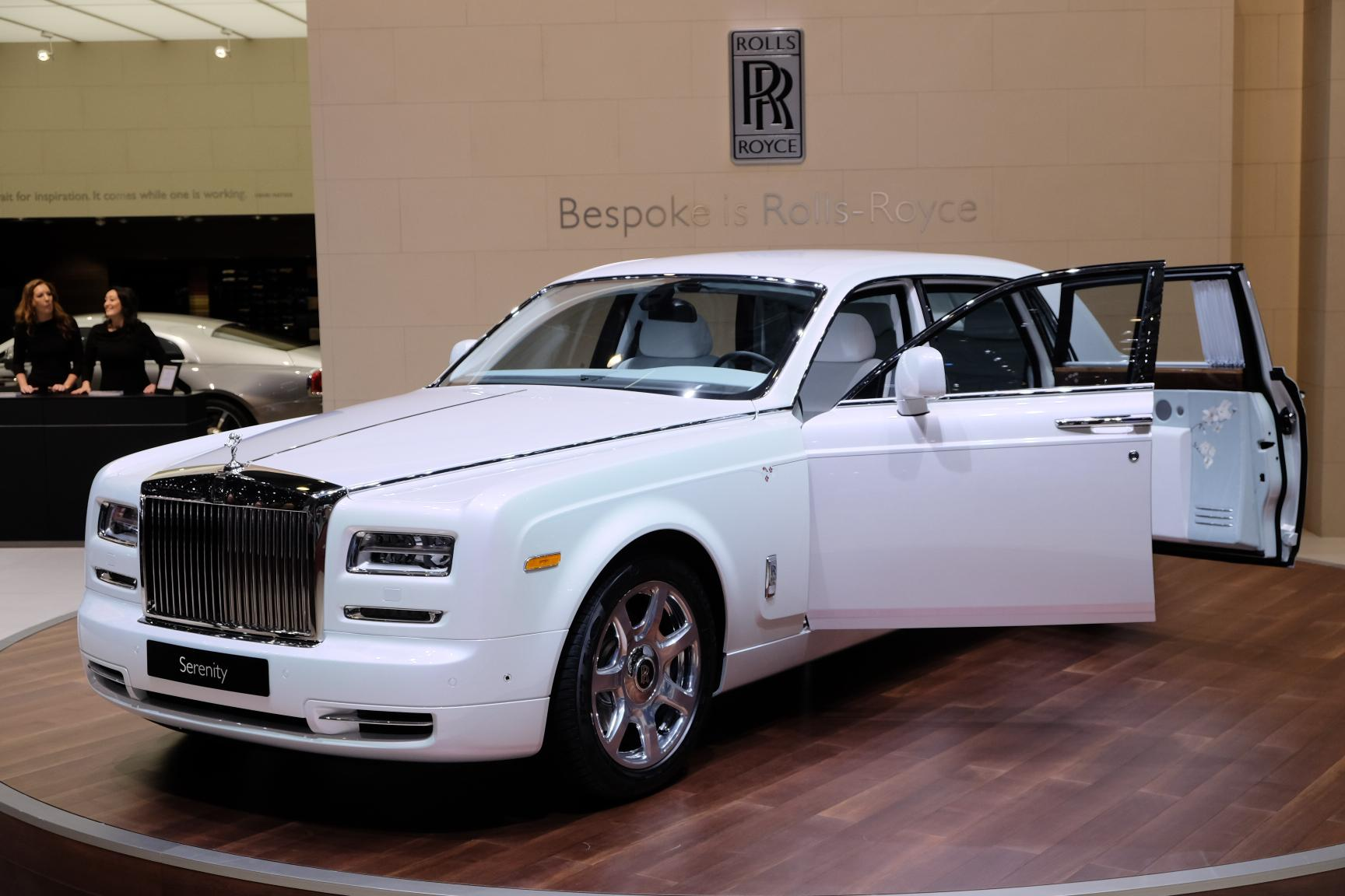 Rolls royce motor cars brings serenity to the geneva for Rolls royce auto