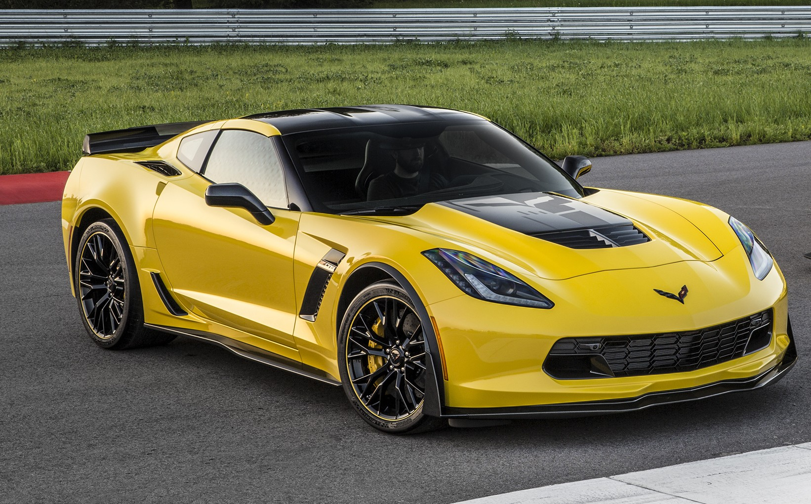 Corvette Zo7 >> CHEVROLET INTRODUCES 2016 CORVETTE Z06 C7.R EDITION - myAutoWorld.com