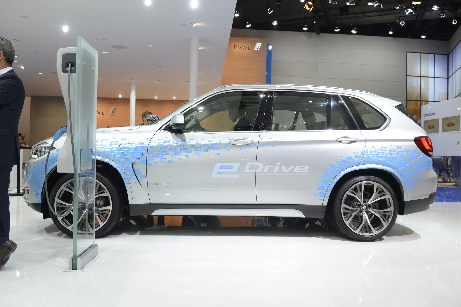 BMW X5 xDrive40e (1)