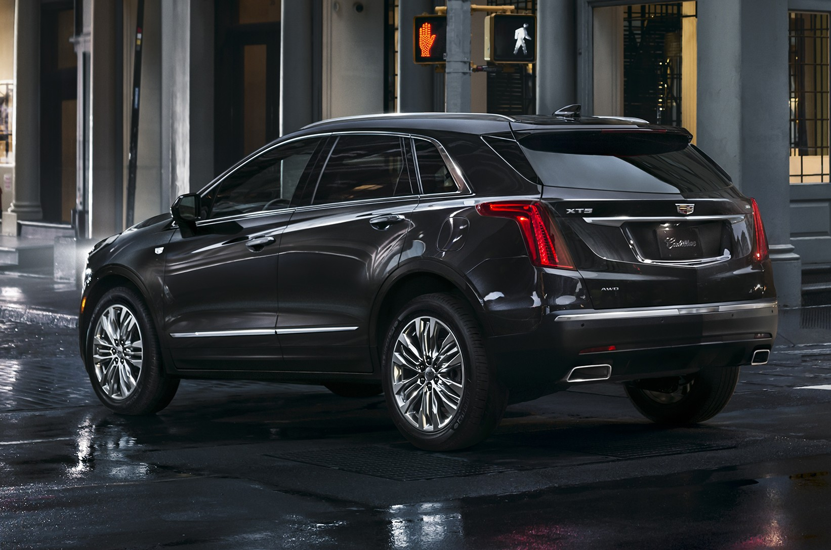 cadillac xt5 initiates new series of cadillac luxury. Black Bedroom Furniture Sets. Home Design Ideas