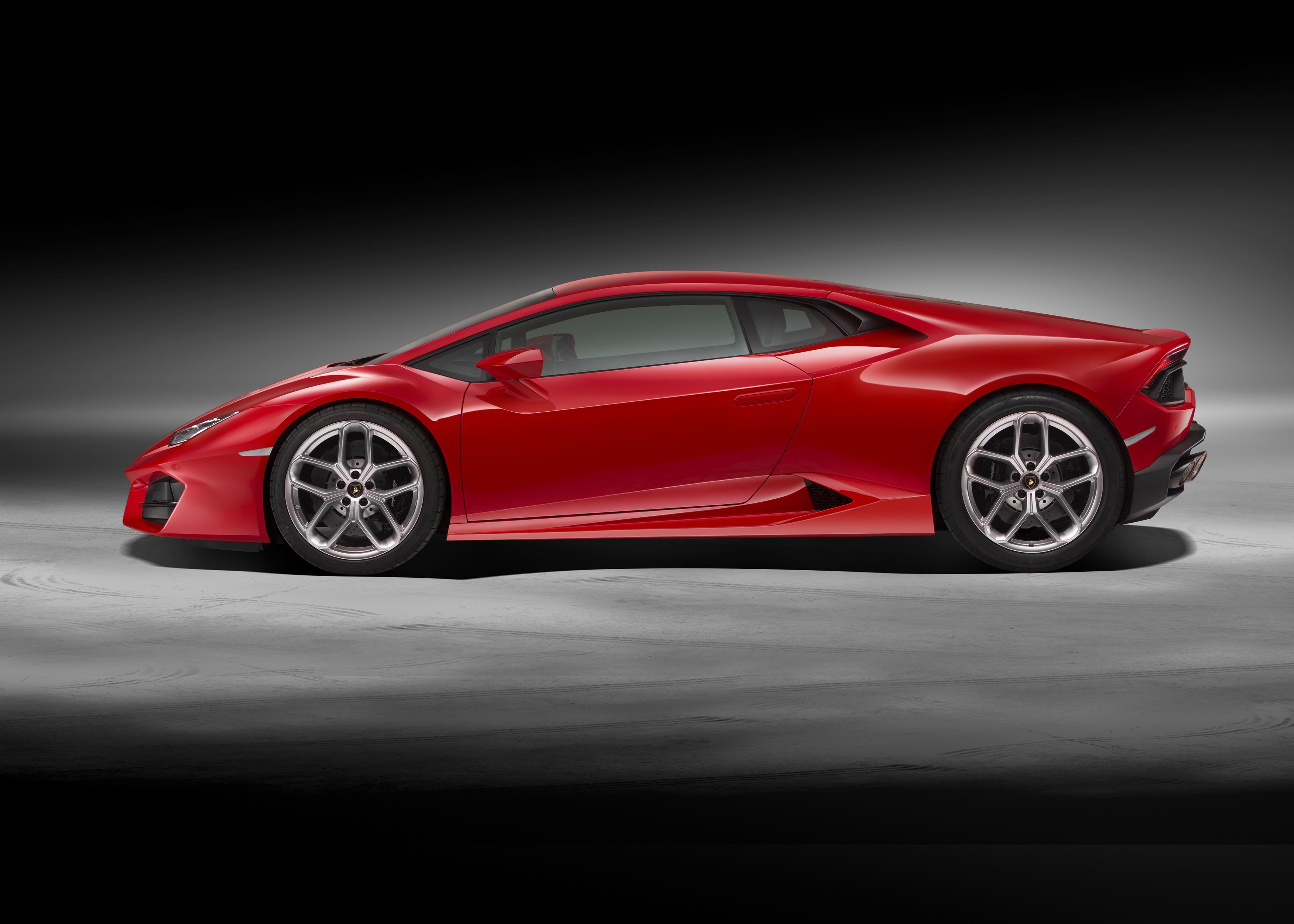 The Rear Wheel Drive Lamborghini Hurac 193 N Lp 580 2 Myautoworld Com