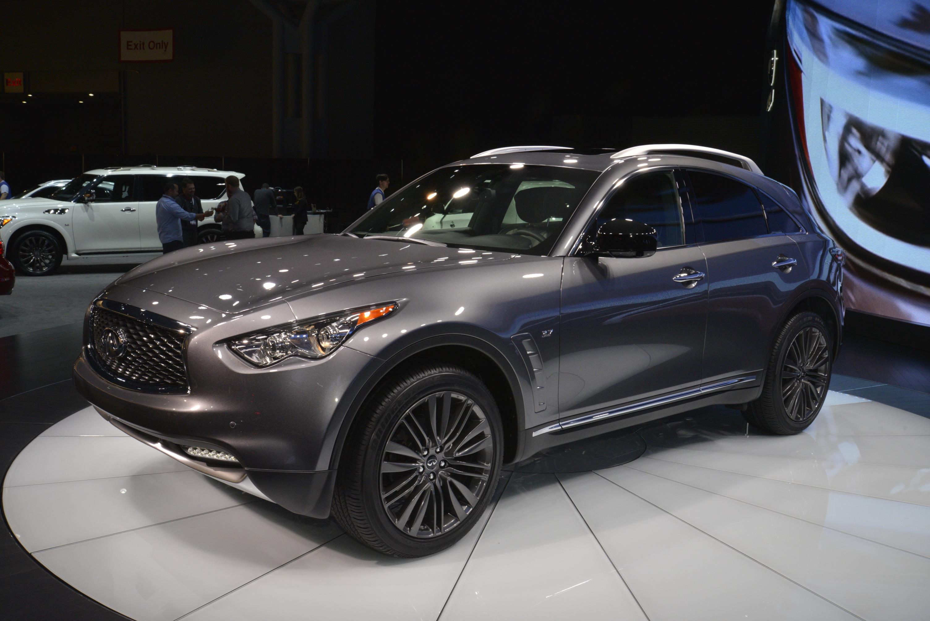 2017 infiniti qx70 limited debuts. Black Bedroom Furniture Sets. Home Design Ideas