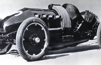 "Powered by a large, 10.2L engine, the 1910 Buick 60 Special ""Bug"" racecar was capable of 110 mph."