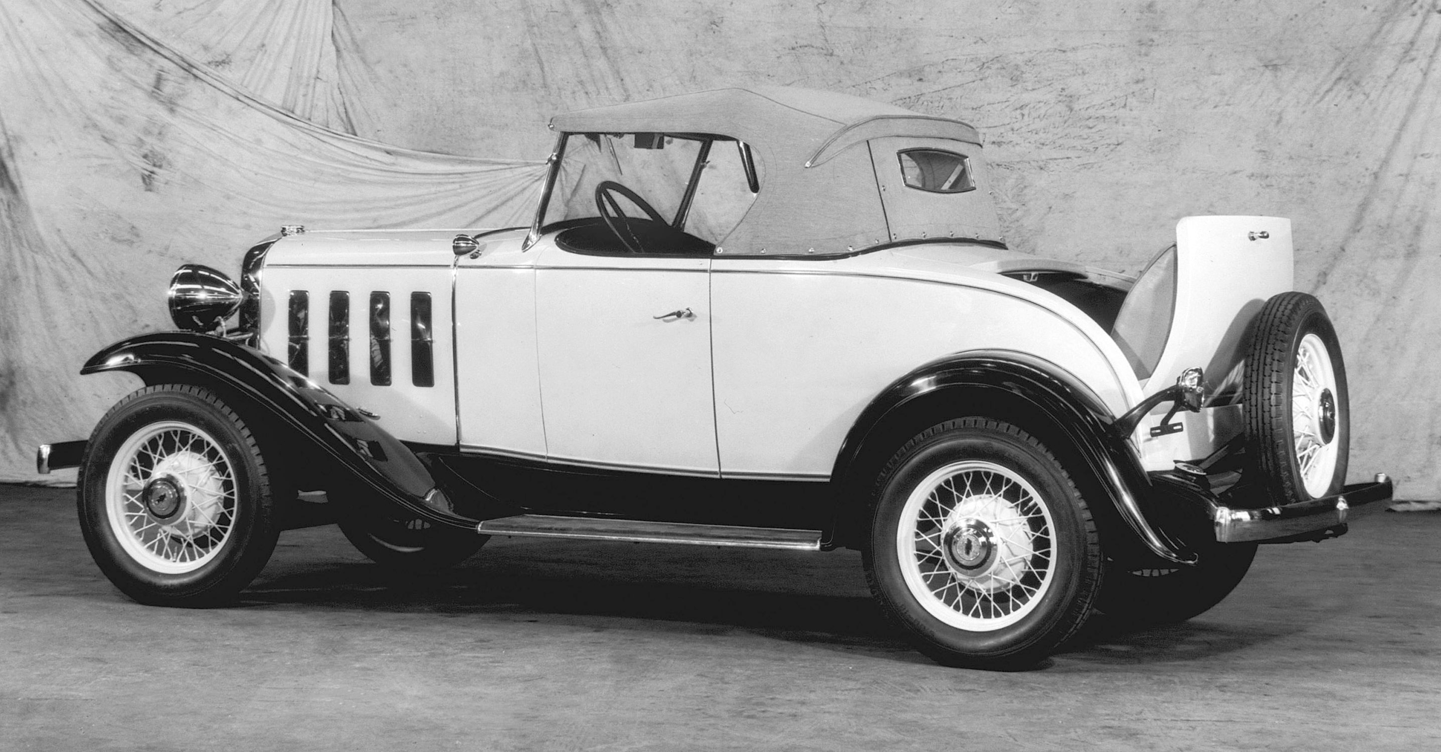 Arriving in the midst of the Great Depression, the plucky 1932 Chevrolets were powered by a sturdy ÒCast-Iron WonderÓ 6-cylinder engine. The Õ32s were, as advertised, ÒThe Great American Value.Ó
