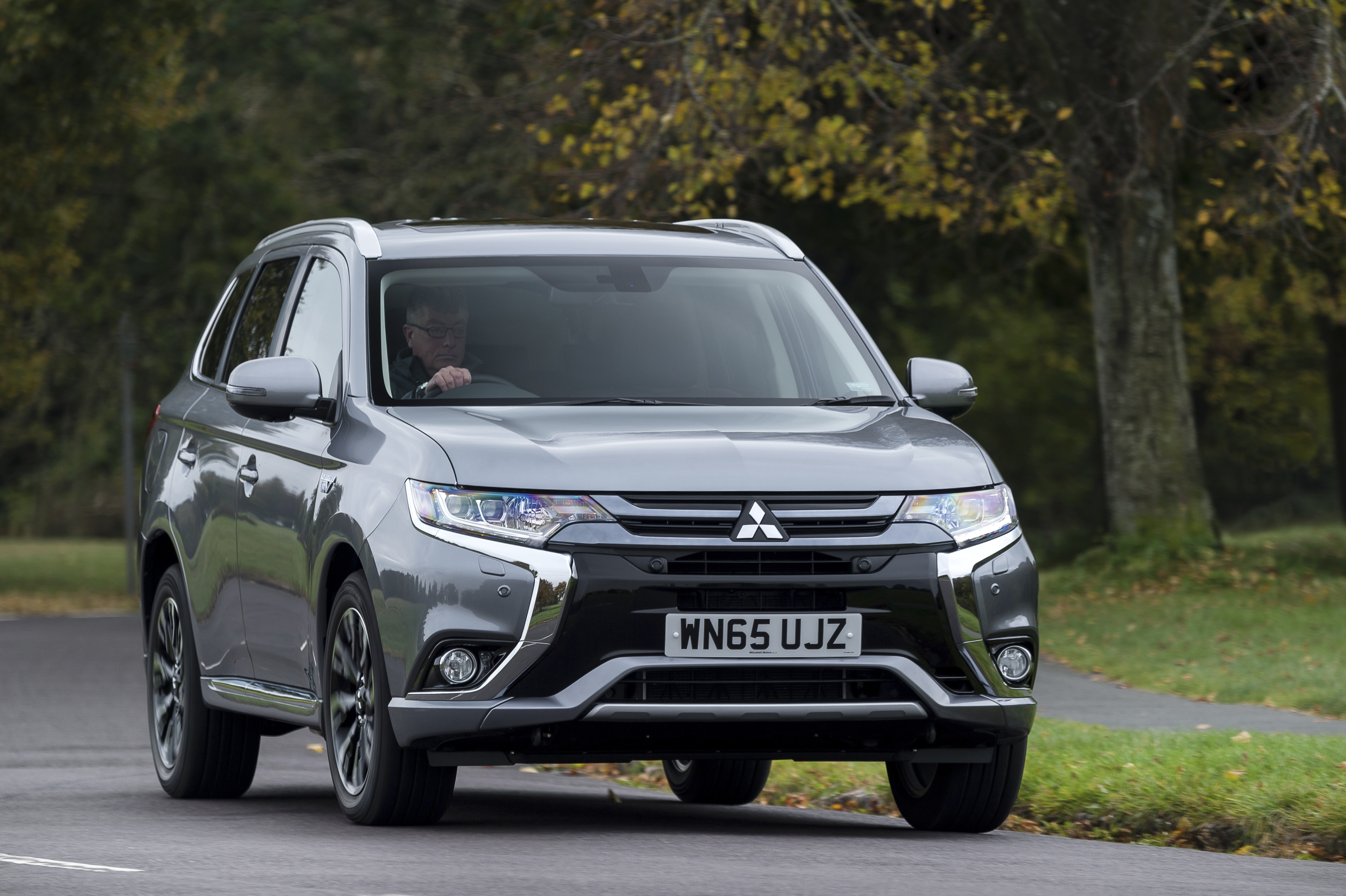mitsubishi outlander phev has created new market sector. Black Bedroom Furniture Sets. Home Design Ideas