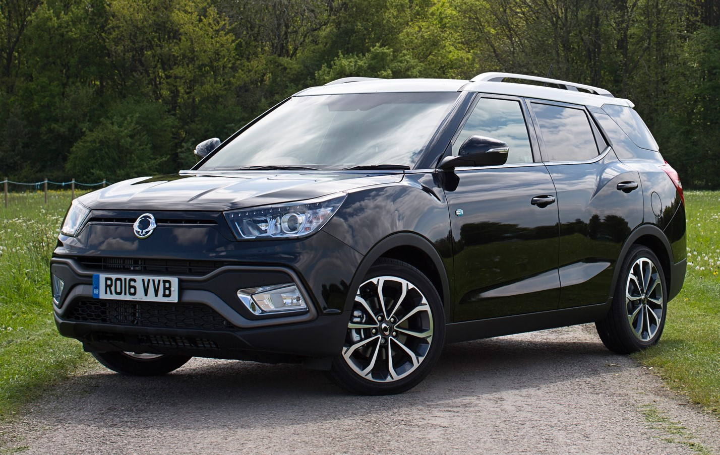 ssangyong launches tivoli xlv. Black Bedroom Furniture Sets. Home Design Ideas