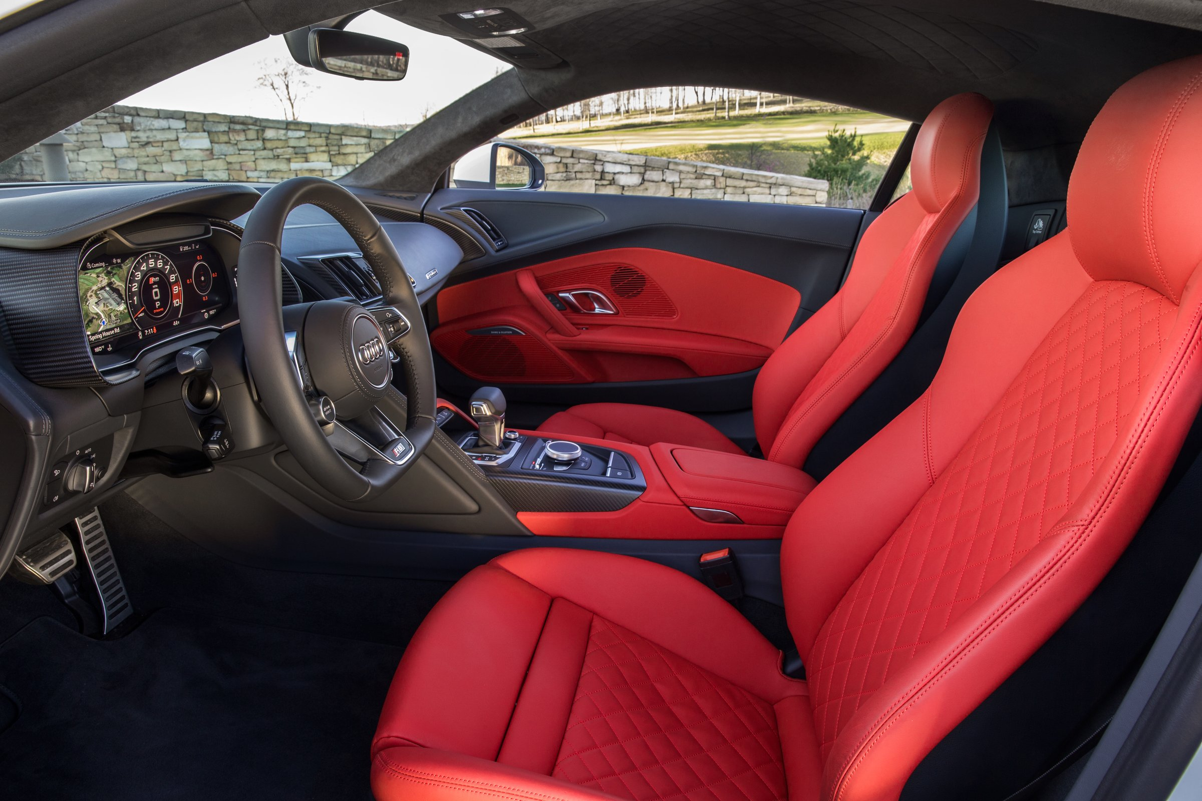 https://myautoworld.com/wp-content/uploads/2016/05/news-2017-audi-r8-v10-interior-31.jpg