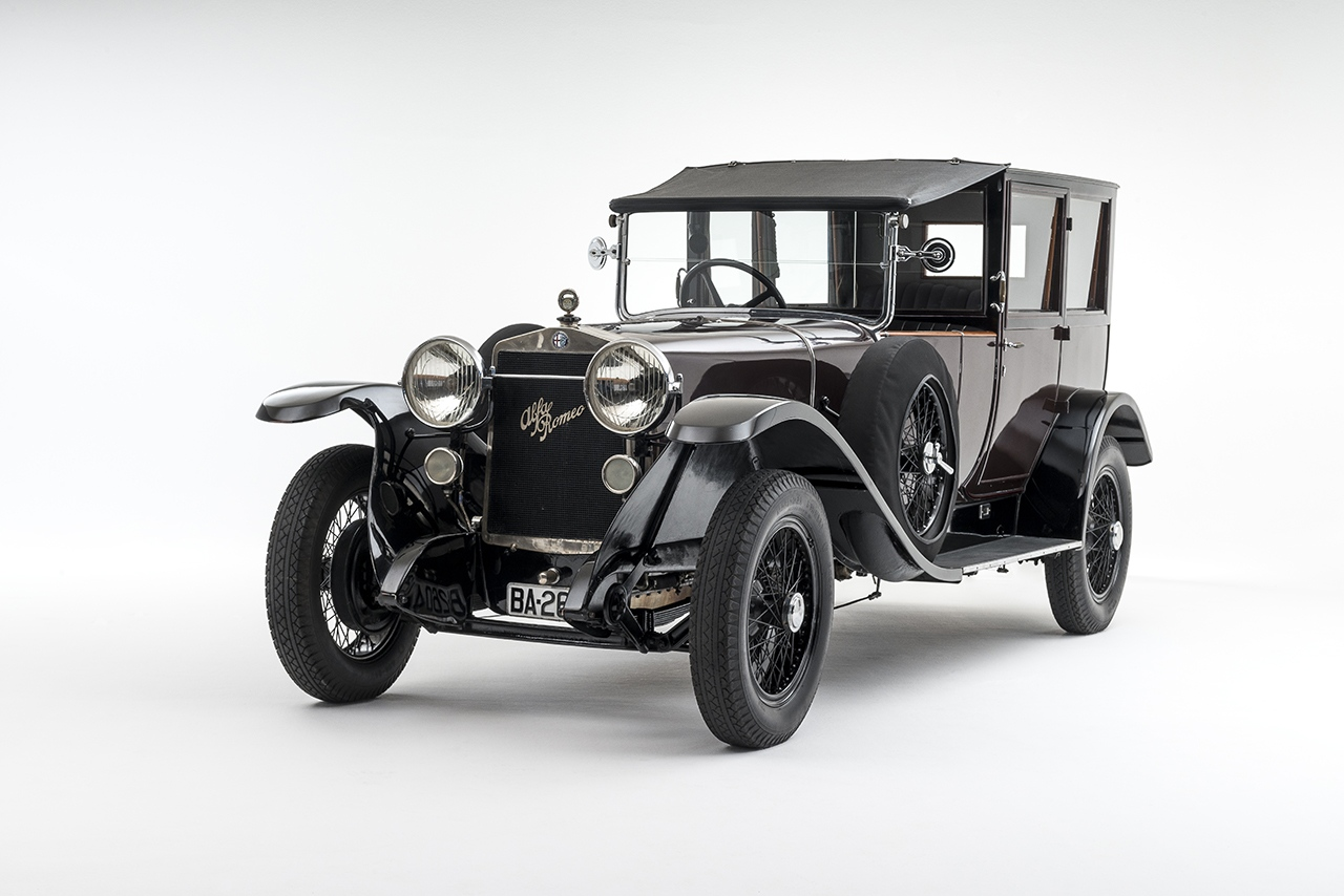 Pre-war Coachwork class is a unique 1924 Alfa Romeo RL Normale Coupé de Ville by Farré. This remarkable one-of-one car was delivered new to Barcelona, bodied in striking Caoba wood by celebrated European coachbuilder J Farré.