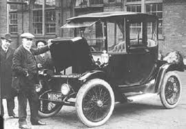 Thomas Edison with a 1914 Detroit Electric, model 47