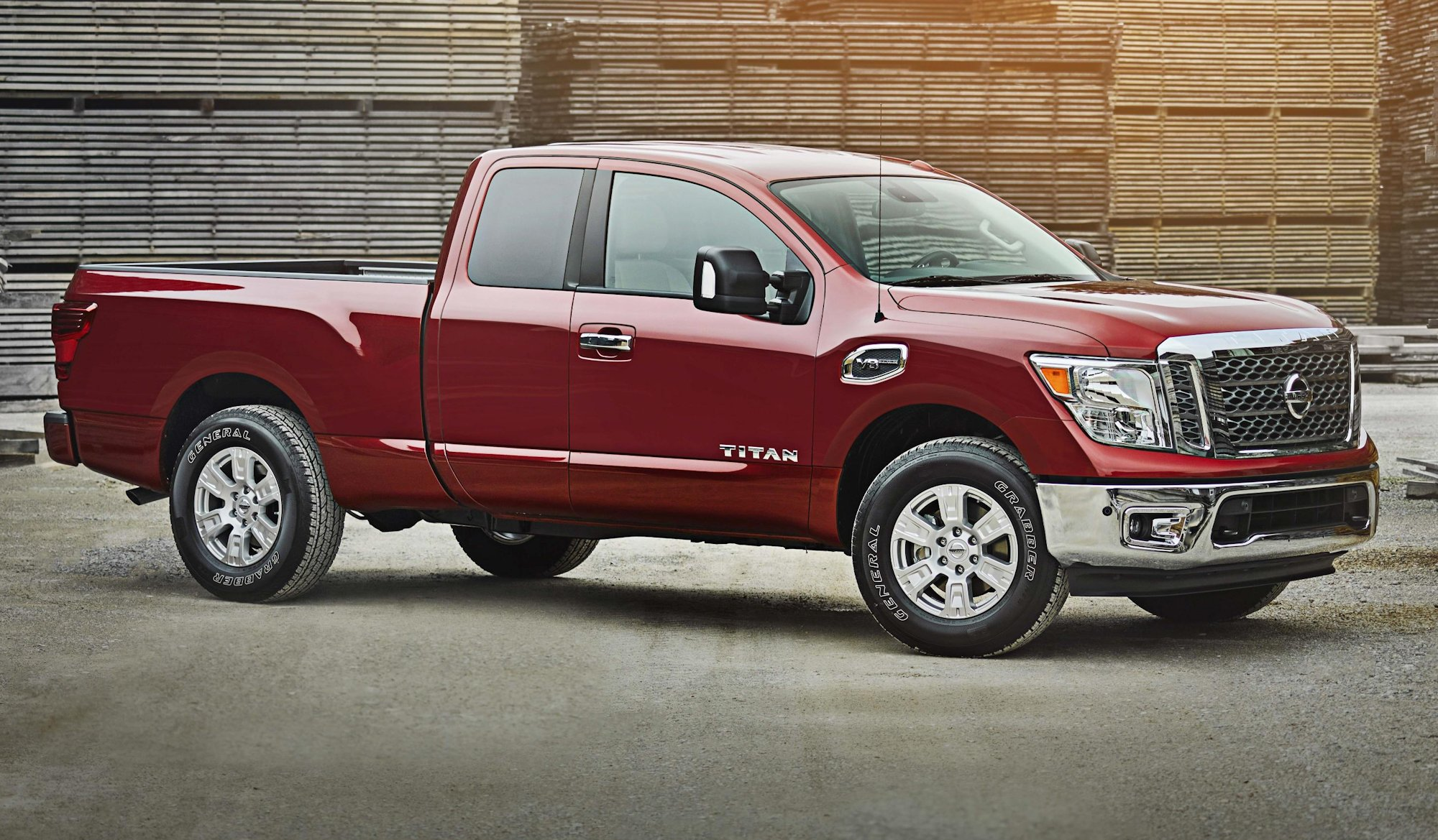 nissan adds new king cab body style to titan models. Black Bedroom Furniture Sets. Home Design Ideas
