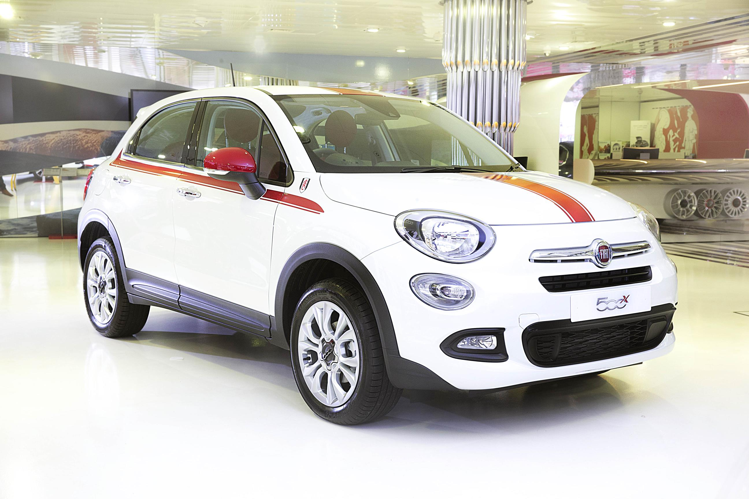 new limited edition fiat 500x fulham fc special edition announced. Black Bedroom Furniture Sets. Home Design Ideas