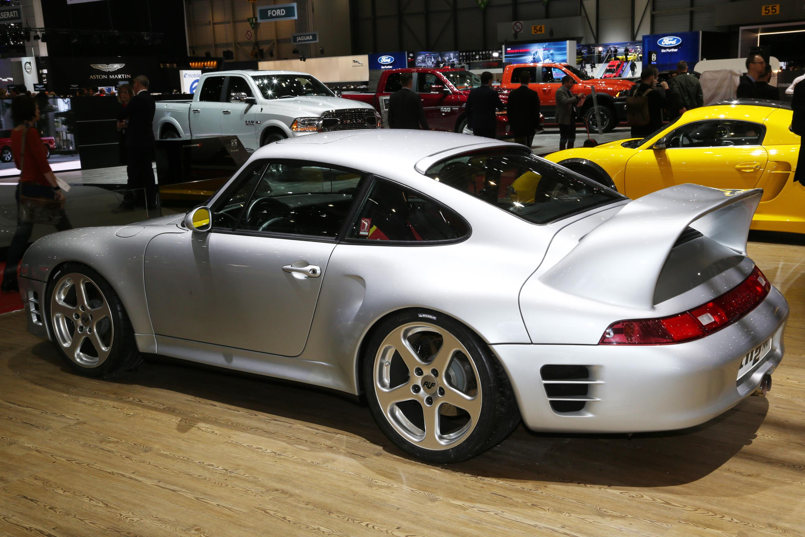 2017 ruf ctr unveiled in geneva first rear engine carbon monocoque road car. Black Bedroom Furniture Sets. Home Design Ideas