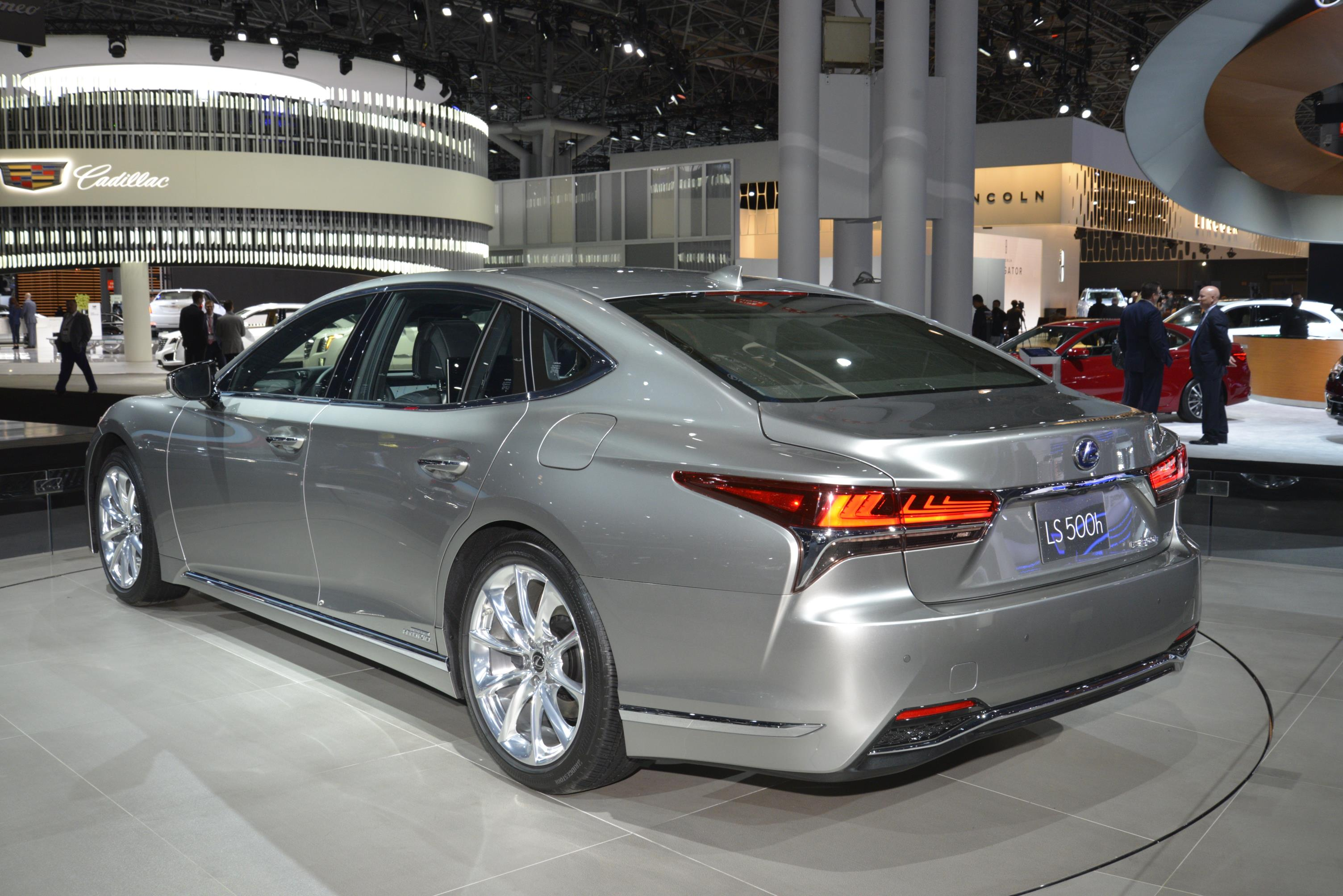 2018 lexus ls 500 f sport debuts in new york. Black Bedroom Furniture Sets. Home Design Ideas