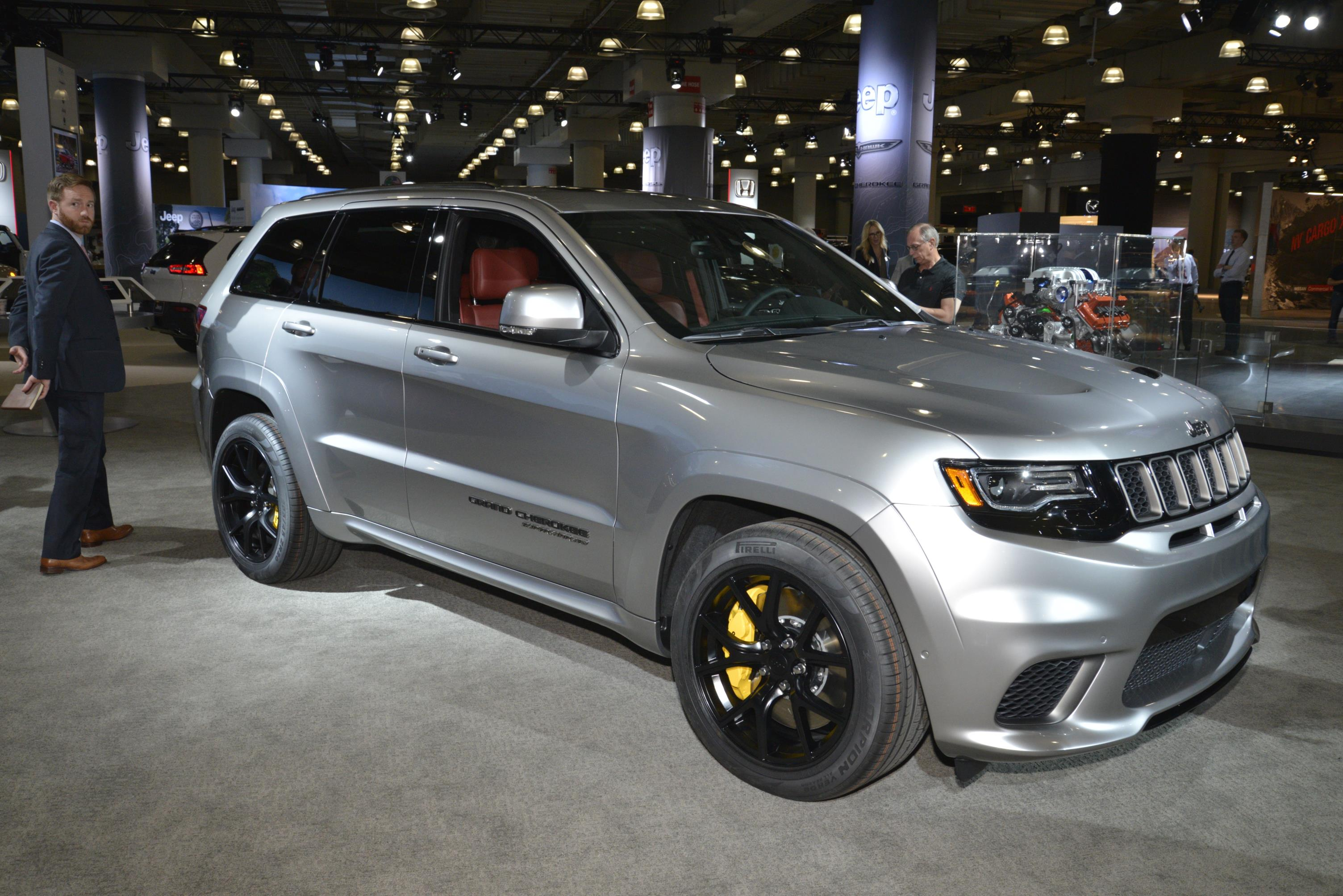 707 horsepower 2018 jeep grand cherokee trackhawk. Black Bedroom Furniture Sets. Home Design Ideas