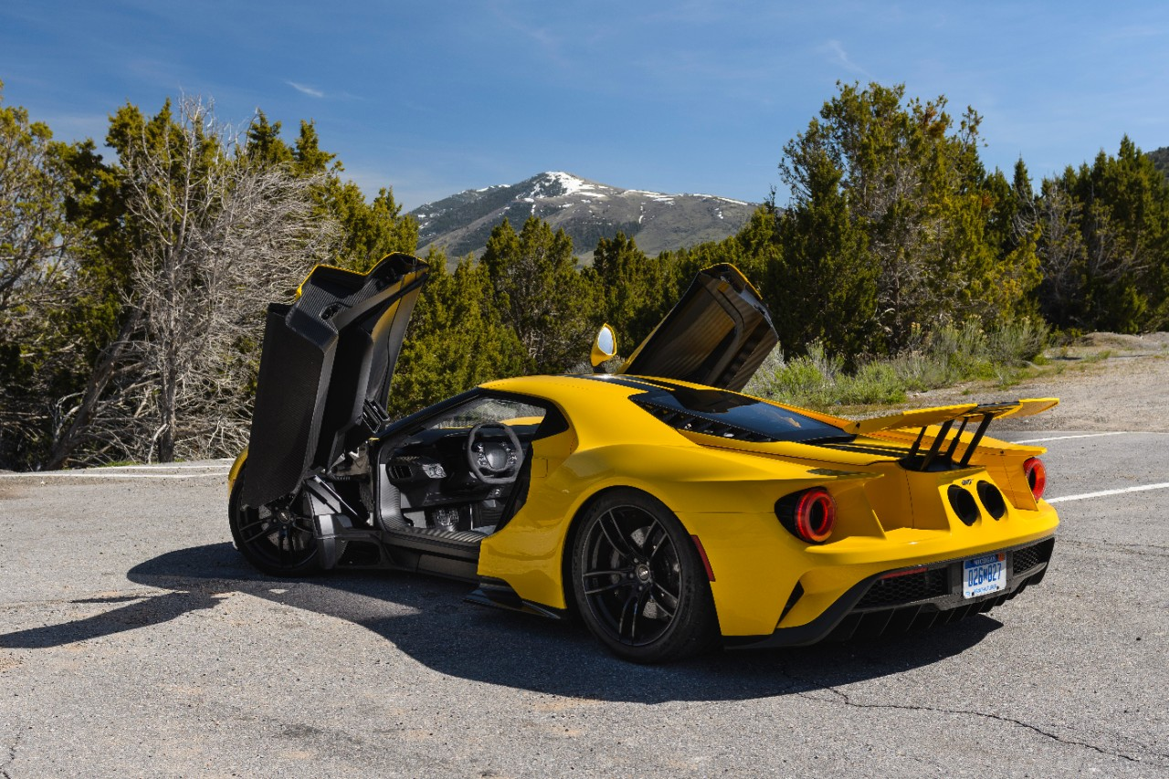 how ford created the gt supercar to test technologies for tomorrow 39 s vehicles. Black Bedroom Furniture Sets. Home Design Ideas