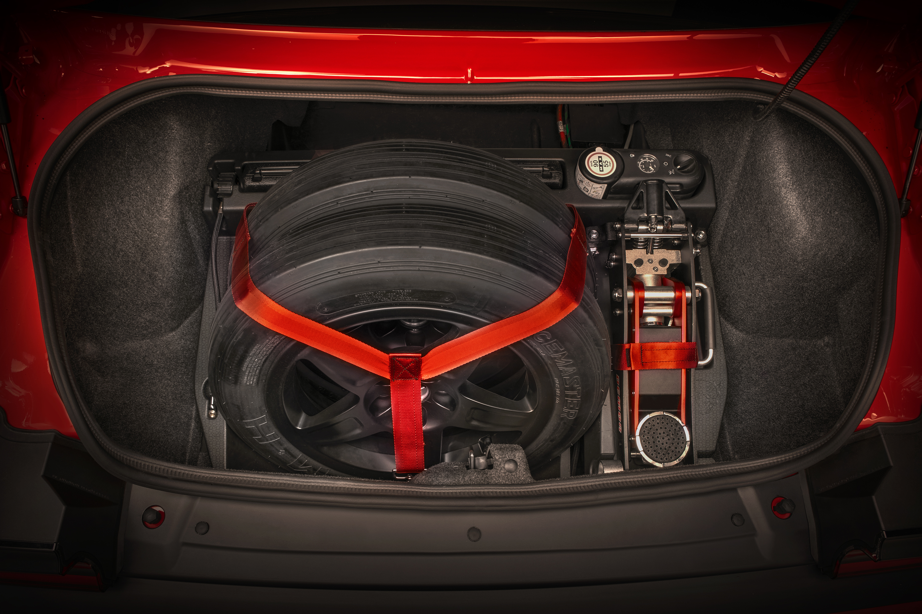 The 840 Horsepower 2018 Dodge Challenger Srt Demon Operating Range 2500 6300rpm Required Fuel 91 Octane Pump Drag Kit Features A Track