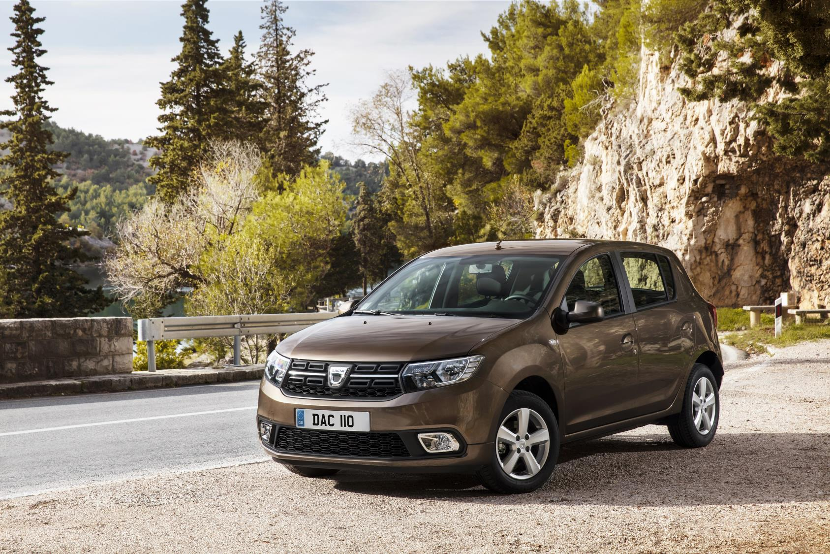 new dacia sandero and new logan mcv updates. Black Bedroom Furniture Sets. Home Design Ideas
