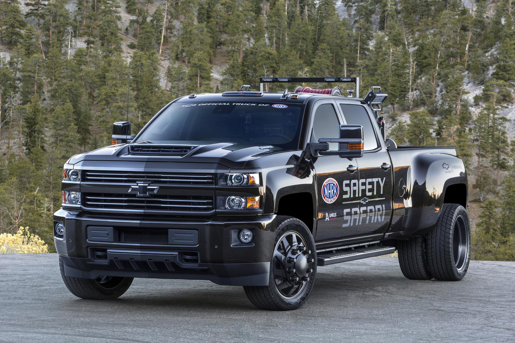 2018 chevrolet silverado 3500hd nhra safety safari concept. Black Bedroom Furniture Sets. Home Design Ideas