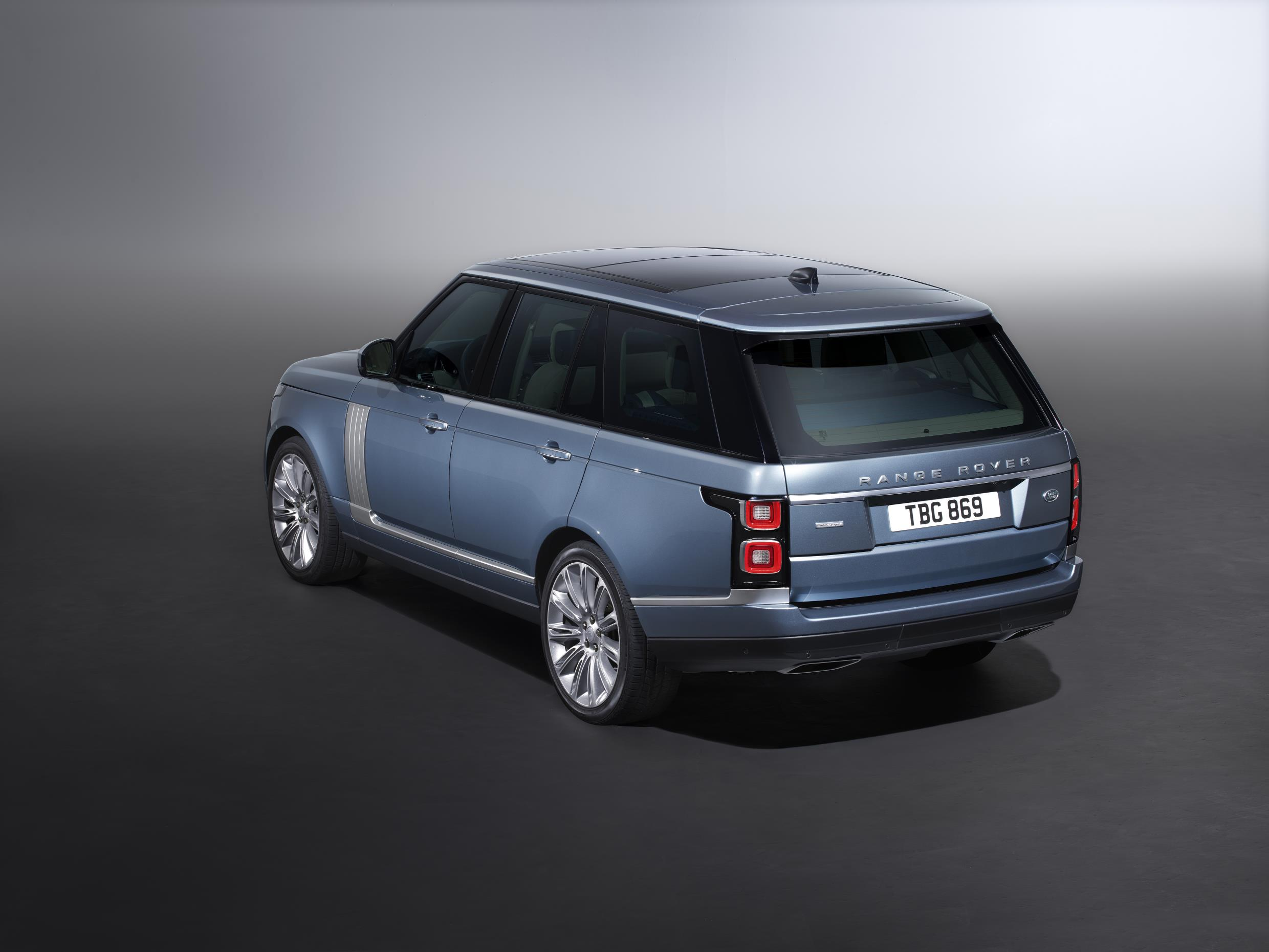 LAND ROVER ANNOUNCES 2018 RANGE ROVER AND 2019 PLUG-IN