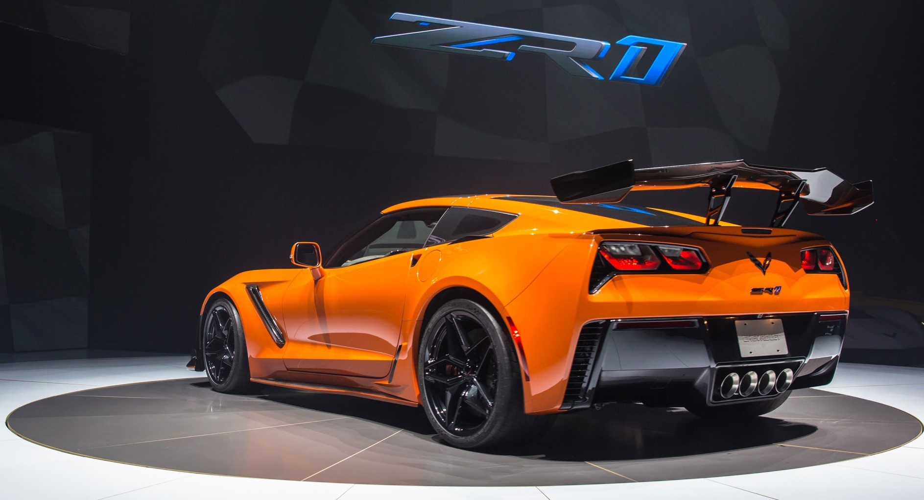 2019 corvette zr1 unveiled. Black Bedroom Furniture Sets. Home Design Ideas