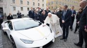 AUTOMOBILI LAMBORGHINI DONATES A CUSTOMIZED HURACÁN TO POPE FRANCIS