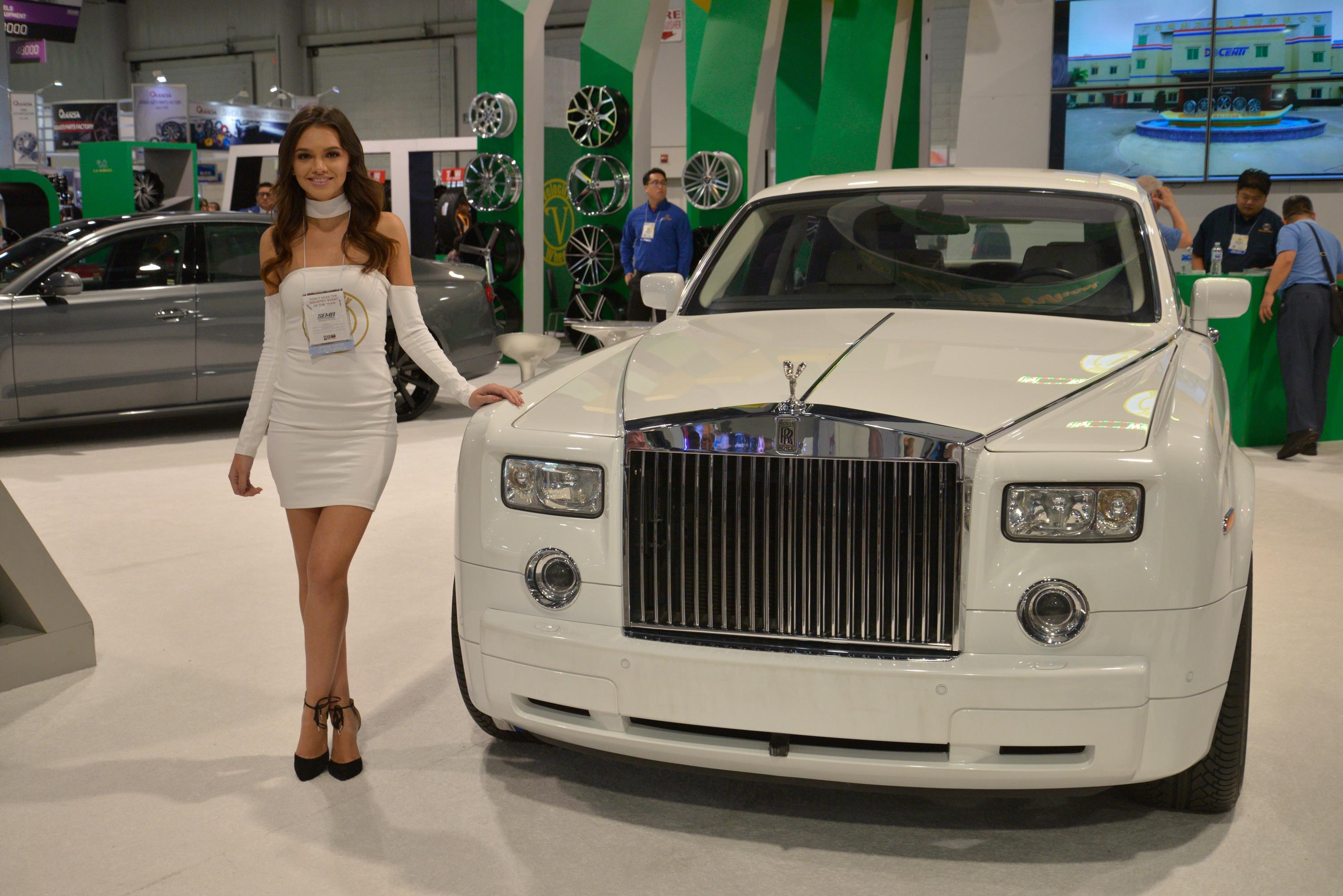 Las Vegas Drag Racing >> 2017 SEMA SHOW GALLERY - myAutoWorld.com