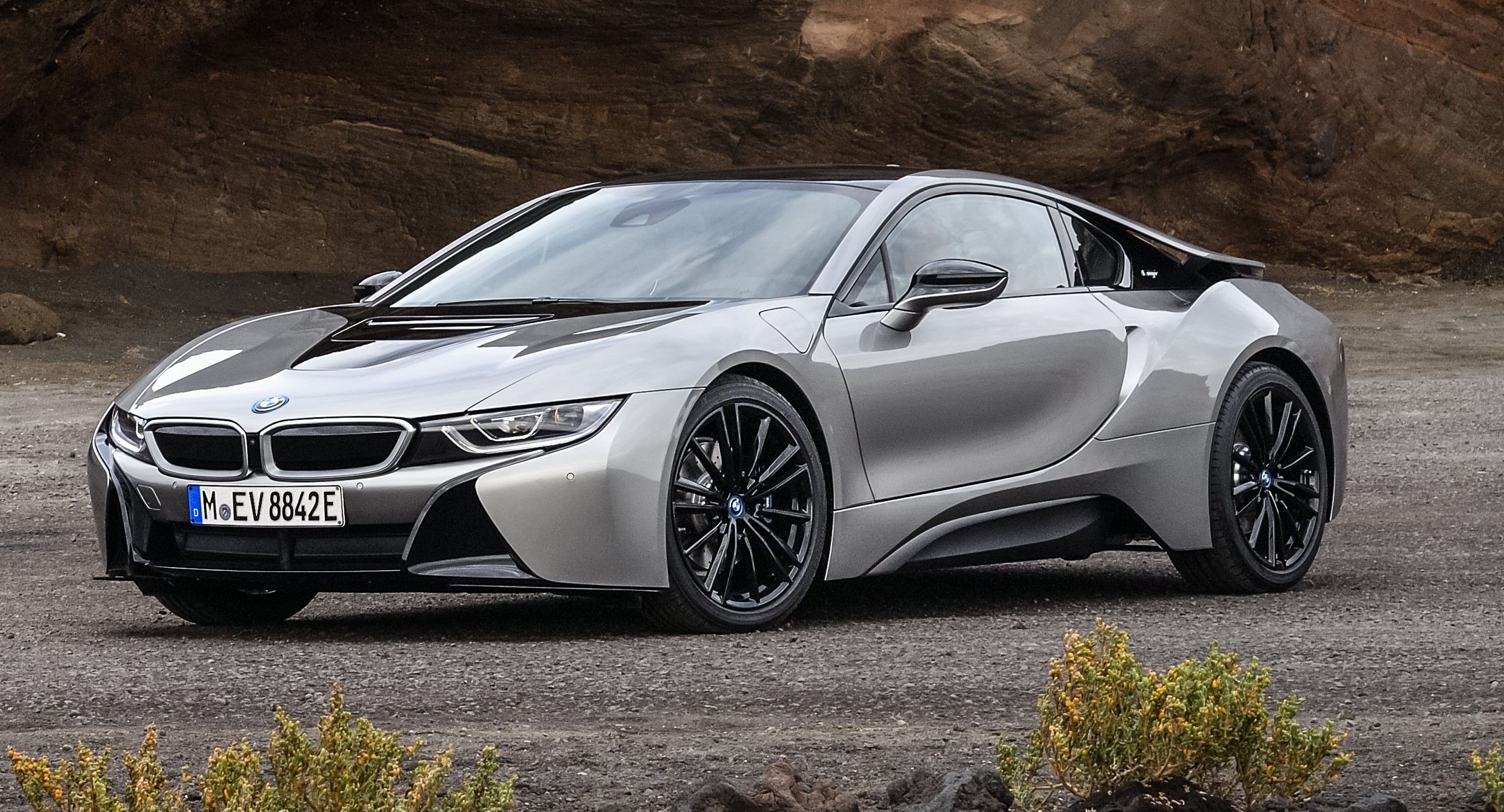 2019 bmw i8 roadster and new 2019 bmw i8 coupe. Black Bedroom Furniture Sets. Home Design Ideas