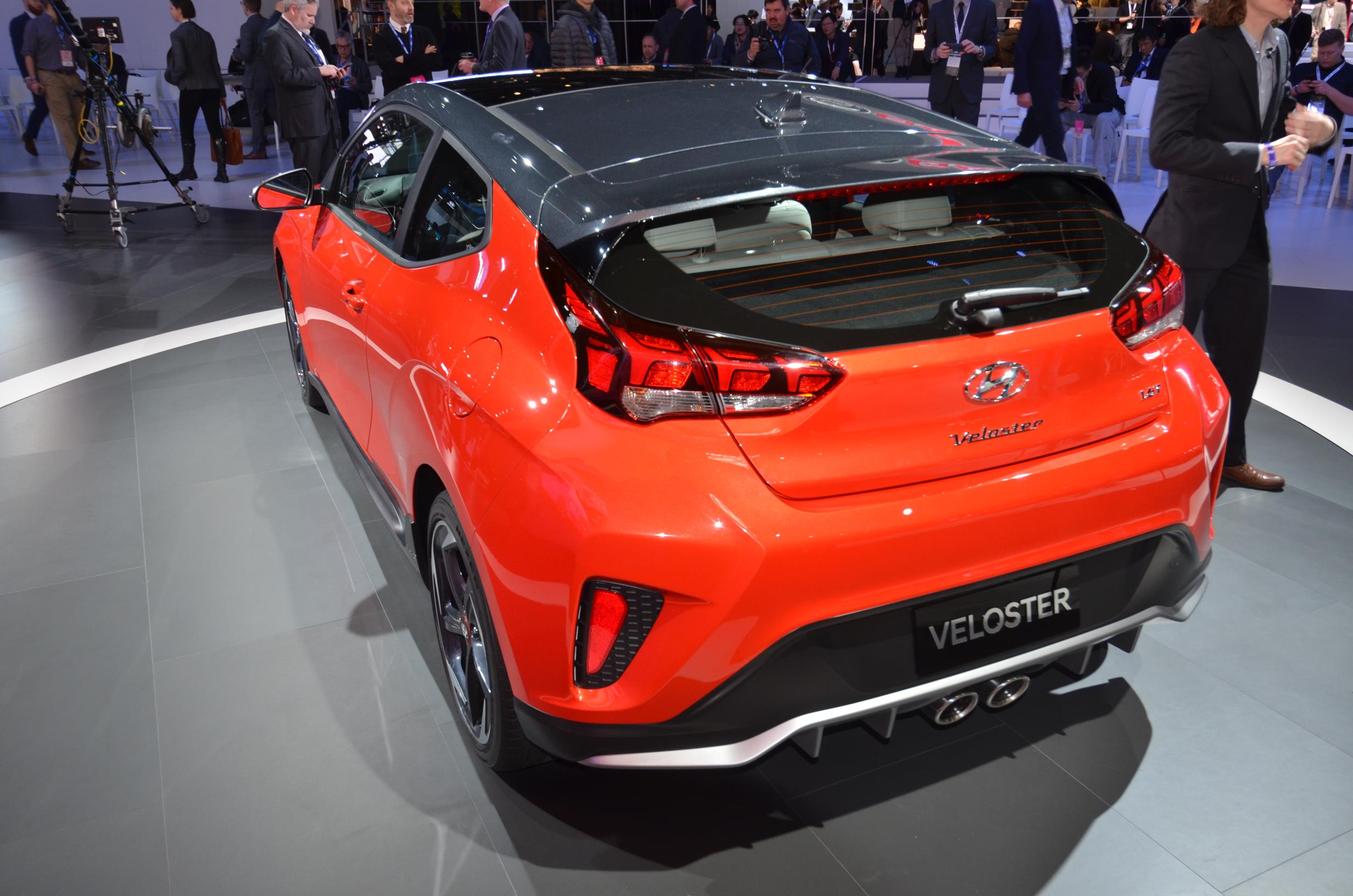 hyundai roadshow to n promo us performance the veloster for sale korean news brings turbo