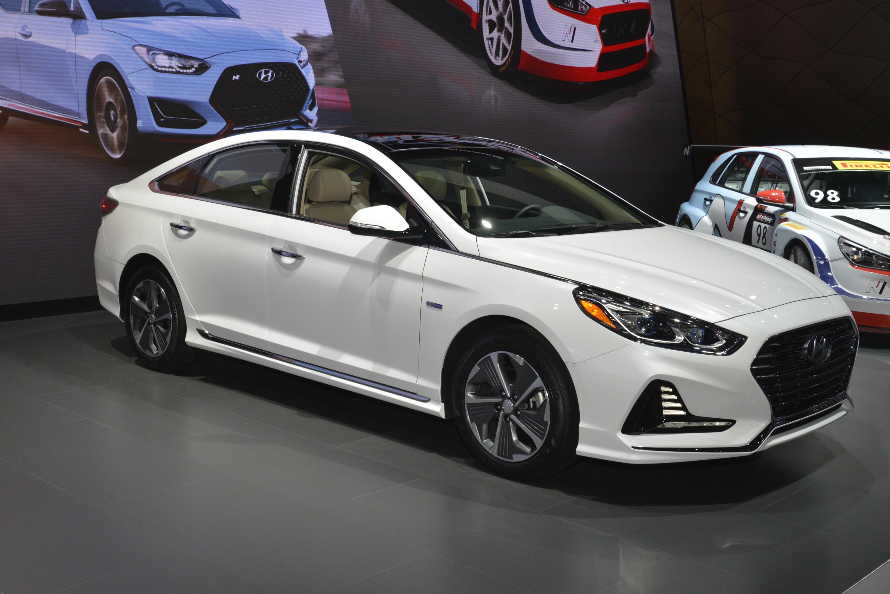 Hyundai Reveals 2018 Sonata Hybrid And Plug In Models