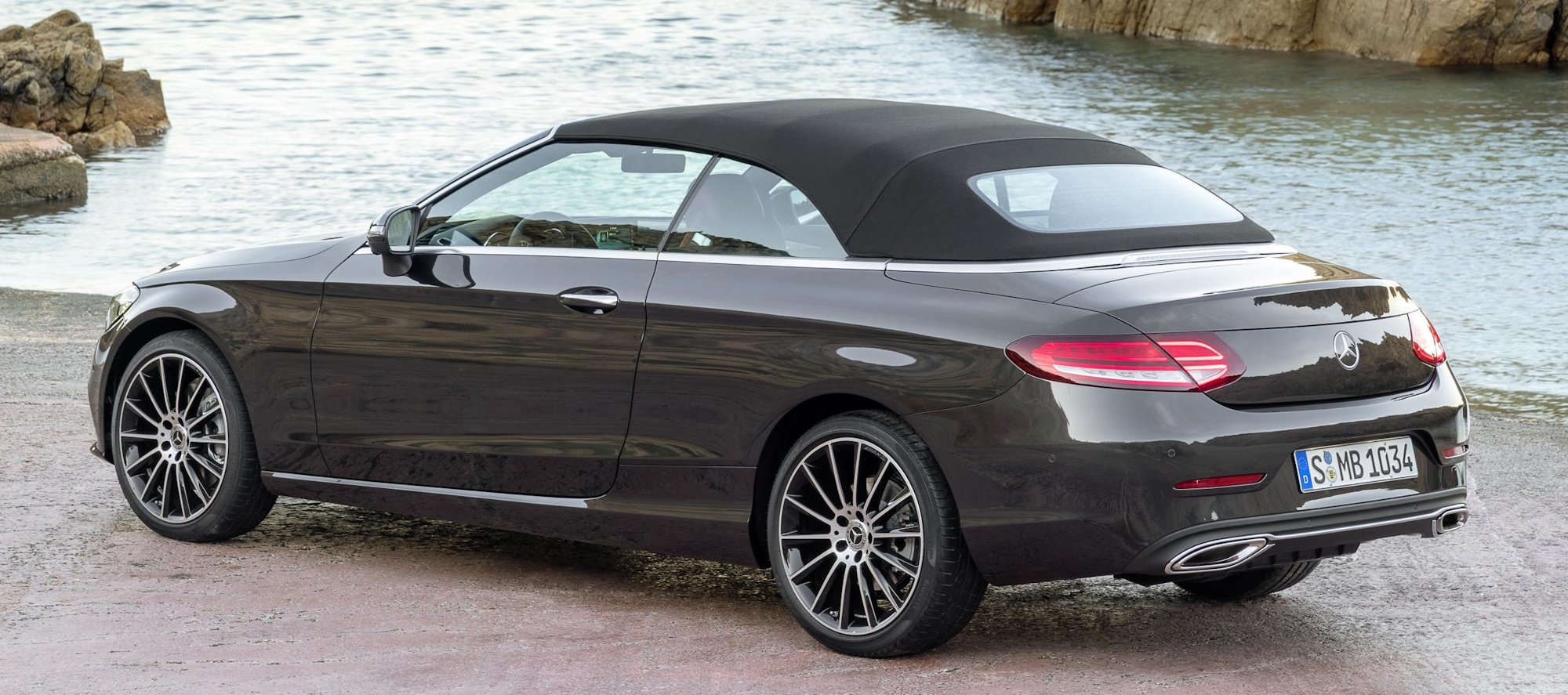 2019 mercedes benz c class coupe and cabriolet. Black Bedroom Furniture Sets. Home Design Ideas
