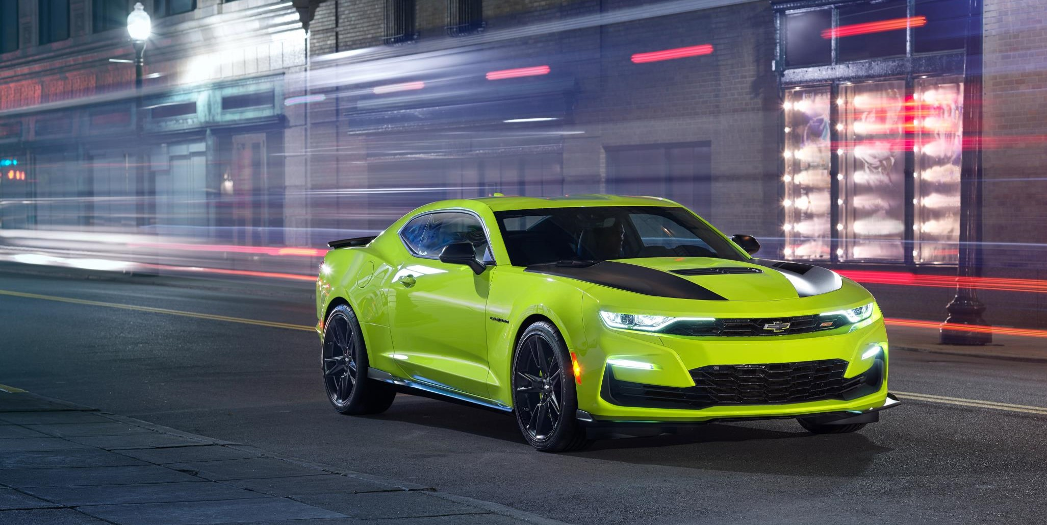 2019 CAMARO IS AWESOME IN SHOCK - myAutoWorld.com